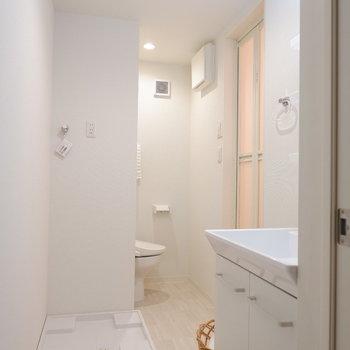水回りはぎゅっとまとまっています。※写真は2階の反転間取り別部屋、モデルルームのものです