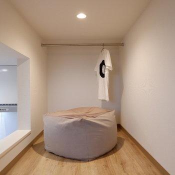 寝室にするのが良さそうです。※写真は2階の反転間取り別部屋、モデルルームのものです