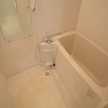 お風呂も広いね!※写真は2階の同間取り別部屋のものです