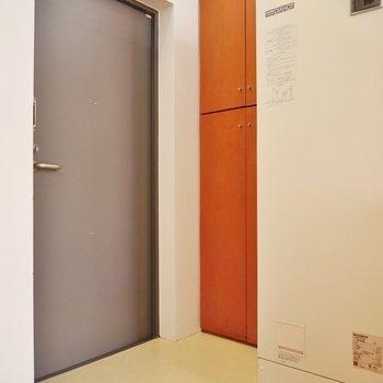 玄関はこじんまりだけど、※写真は同タイプの別室