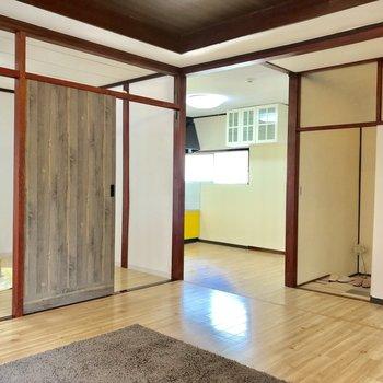 【LDK】他のお部屋へ行き来しやすいですよ※家具はサンプルになります