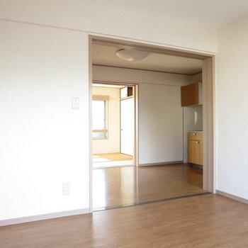 【洋室】ここに扉がつきます※写真は通電前のものです