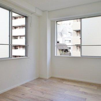 【DK】しかも内装が白なので明るいんです!※写真は5階の同間取り別部屋のものです