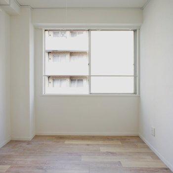 【DK】似面採光嬉しいなあ※写真は5階の同間取り別部屋のものです