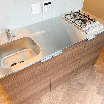 キッチンは実用性の高い二口コンロ!