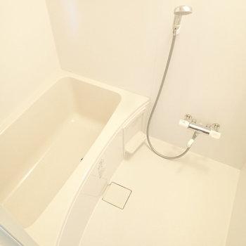 追い焚き付きの浴室、ゆっくり浸かれますね。※写真は前回募集時のものです