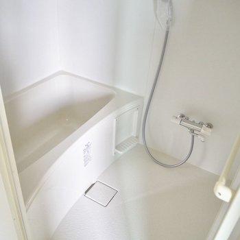 浴室に鏡はありません