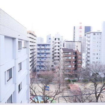 眺望は公園が見えていい雰囲気