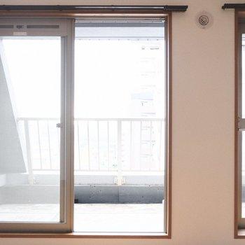 キッチンは2つの出口からルーフバルコニーへ出られます。