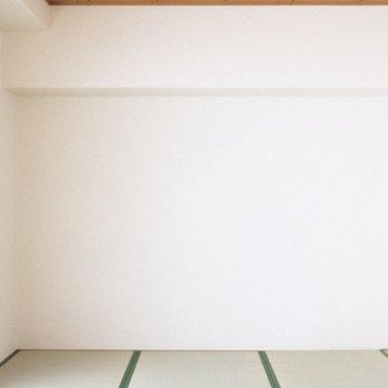 畳のお部屋、夏はここに風鈴飾りたい。
