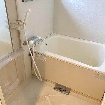 浴室に窓があるから換気がスムーズ◎