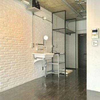 レンガっぽくてかわいい壁です。