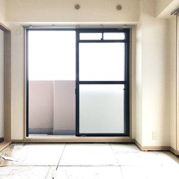 和室はなんと2面採光!南向きでぽかぽかなの。 (※写真は改装中のものです)