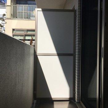 バルコニーは広々。※写真は1階同間取り別部屋のものです