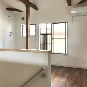 【上階】反対側には洗濯機置き場アリ。収納部屋にしてもいいかも