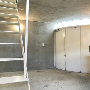 【下階】コンクリの室内ガレージ!