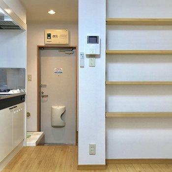 棚を上手く使うことがスペースの有効活用の鍵