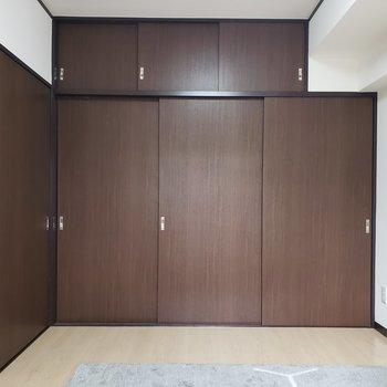 【洋室6帖】扉がいっぱい。