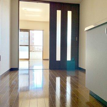 食器棚やラックなどを置くこともできそうです。※写真は3階の同間取り別部屋のものです