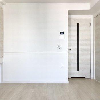 シンプルで綺麗なお部屋!※写真は6階の同間取り別部屋のものです