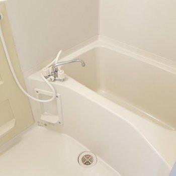 浴室は普通のサイズ感だけど1人で入るなら十分