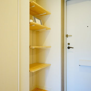 【イメージ】靴箱はディスプレイもできる可動棚を設置!
