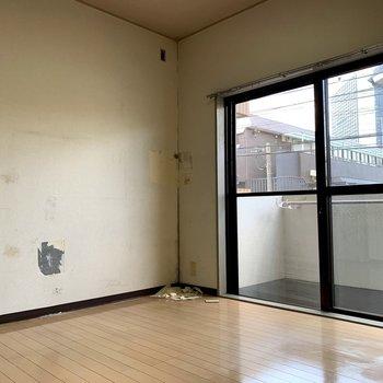 【工事前】壁も床も白っぽい印象に生まれ変わります!
