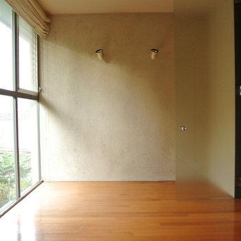 寝室の採光部素敵ですね※写真は反転間取り別部屋のものです。