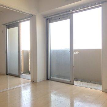 窓が多いと開放感があるねー。※写真は14階の同間取り別部屋のものです