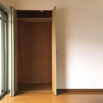 洋室には収納がありました!ちょっと小さめ?※写真は3階の同間取り別部屋、通電前のものです