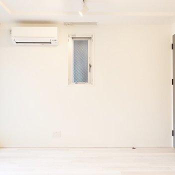 シンプルな白っていいね♩(※写真は2階同間取り別部屋のものです)