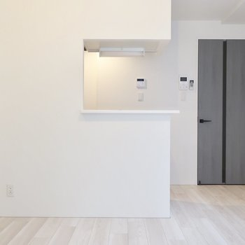 キッチンだって開放感が大事でしょ◎(※写真は2階同間取り別部屋のものです)