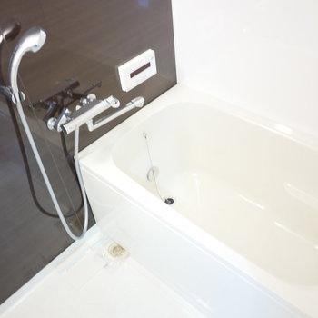 浴室は追い炊き機能完備