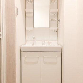 独立洗面台がうれしいですね。