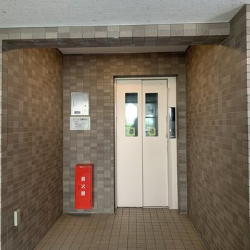 荷物が多いときなどはエレベーターも便利!