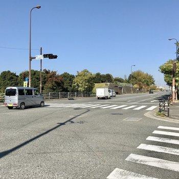 バス停も徒歩圏内です!
