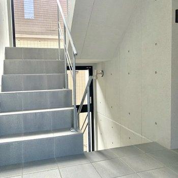 コンクリート階段、カッコ良い