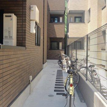 駐輪スペースもあります。