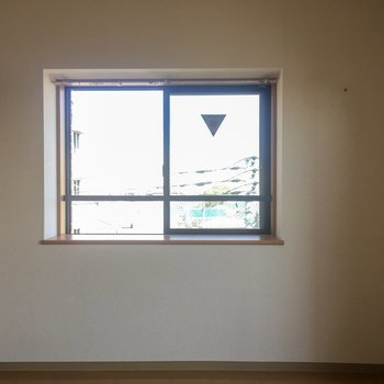 こちらが出窓の舞台です。