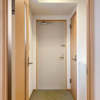 玄関もキレイで落ち着く。
