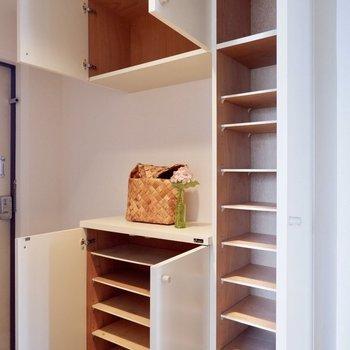レイングッズなどもまとめて収納できますね※写真の家具はサンプルです