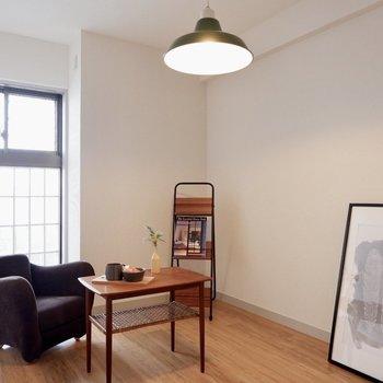 【洋室②】書斎や物置としても使えますね※写真の家具はサンプルです