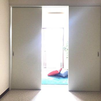 【K】洋室の窓から光が届いていましたー!