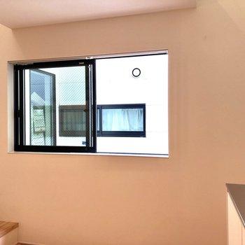 窓があるので、換気もできます。