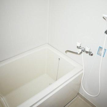 浴室も交換されてピカピカ!