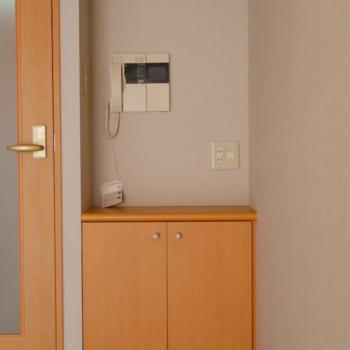 ちょっとした作業スペースや、お気に入りのインテリアを置いてもよし。※写真は2階の反転間取り別部屋のものです