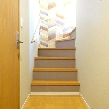 この階段を上ると居室です