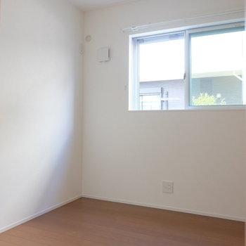 3.7帖の洋室です。