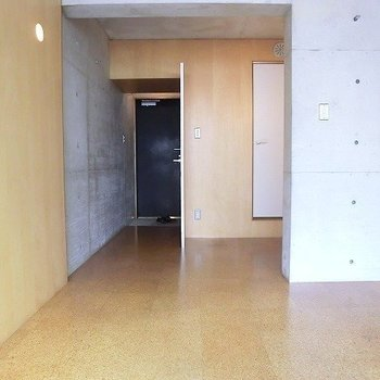 かっこいい雰囲気ですね。※写真は3階同間取り別部屋のものです