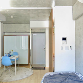 コンクリがクール ※写真は3階の同間取り別部屋のものです。